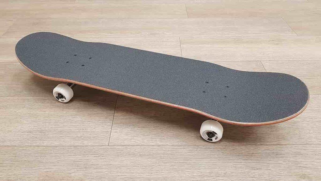 skateboard buying guide for beginners